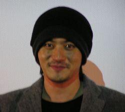 2009110942_4